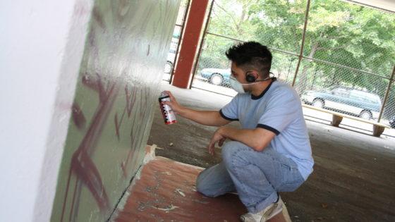 kekoa spray painting mural