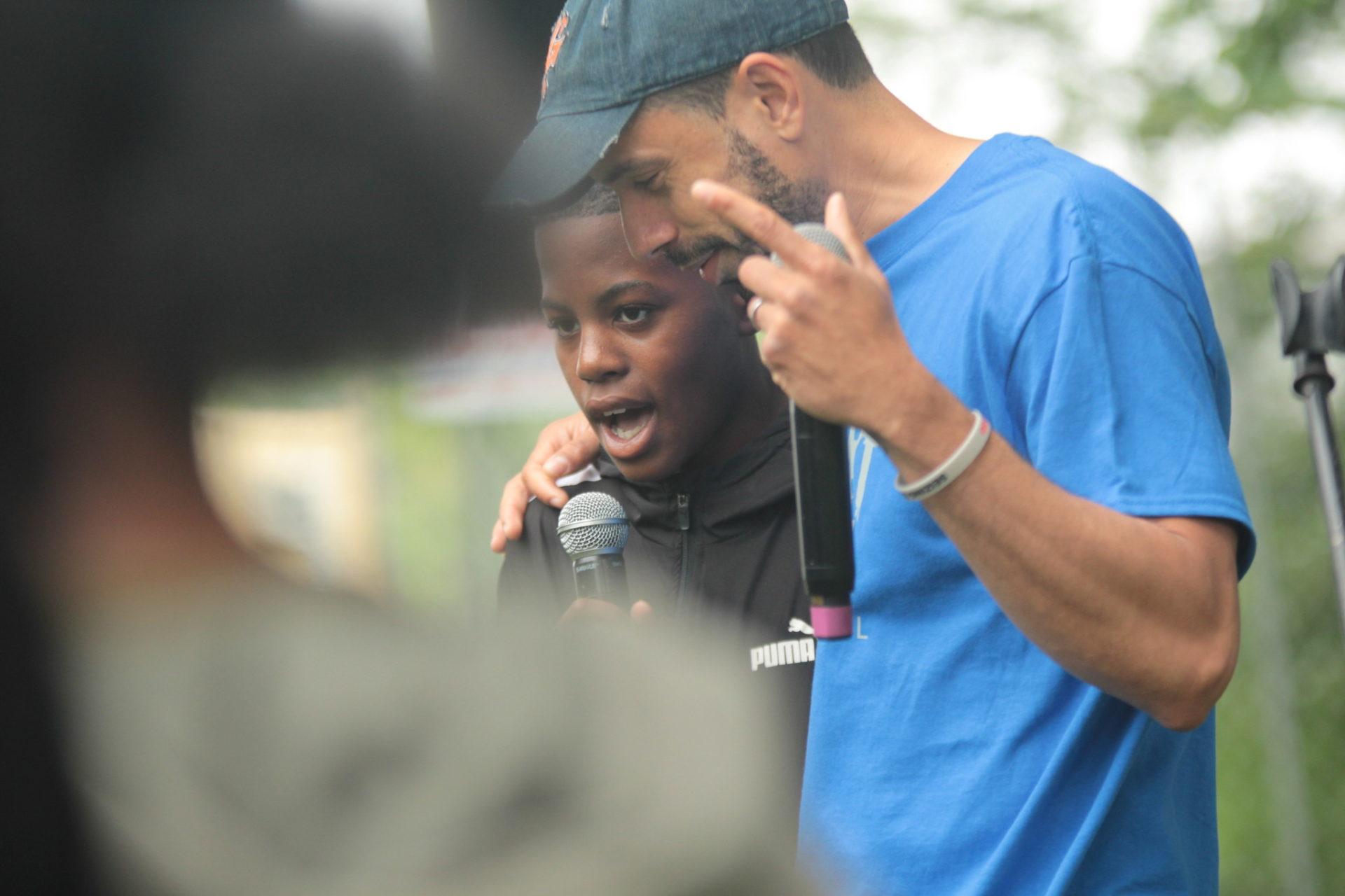 Randy Mason rap with student